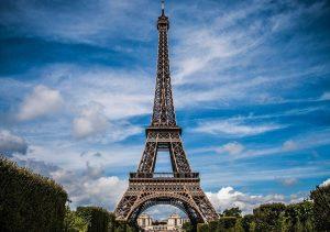 Perkembangan Teknologi Budaya Prancis Yang Sedang Maju